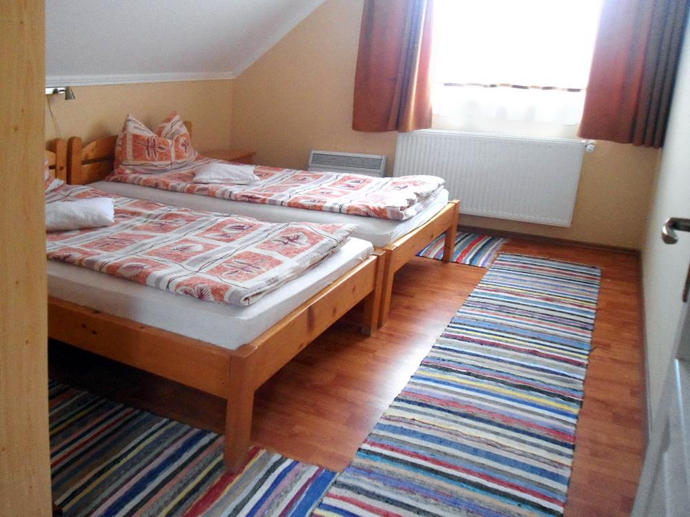 laura-kulcsoshaz-szoba