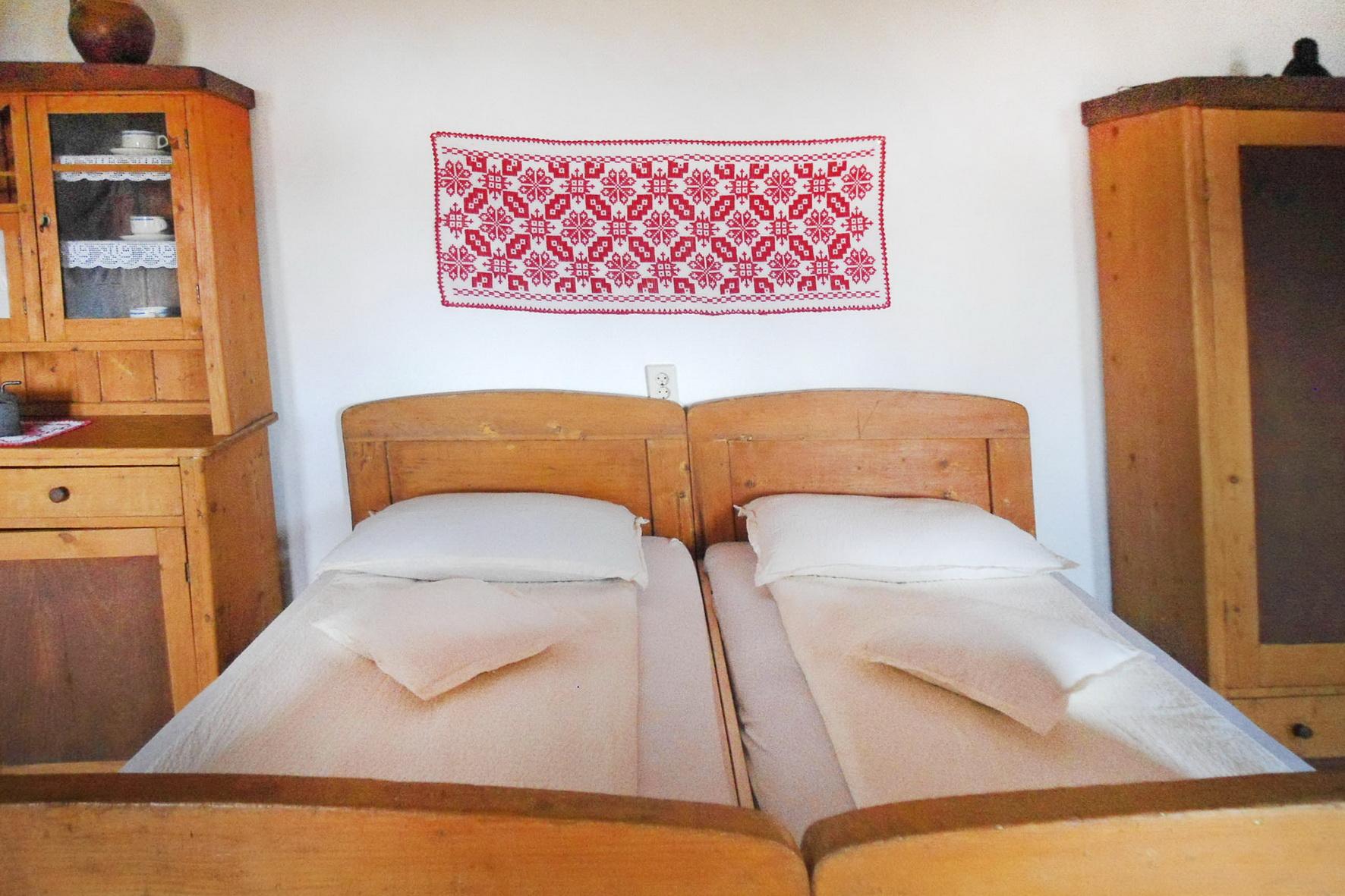 szekelyfoldi-szallas-erdely-sziveben-jodos-szoba