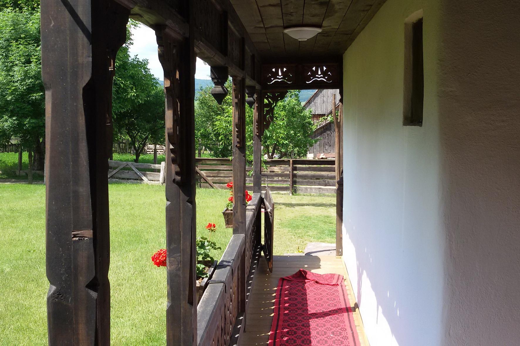 tajhaz-fogado-veranda